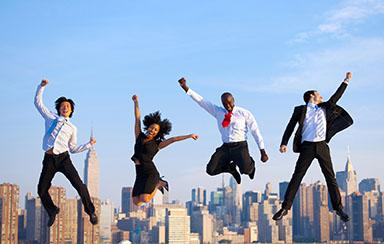 Сотрудники в прыжке